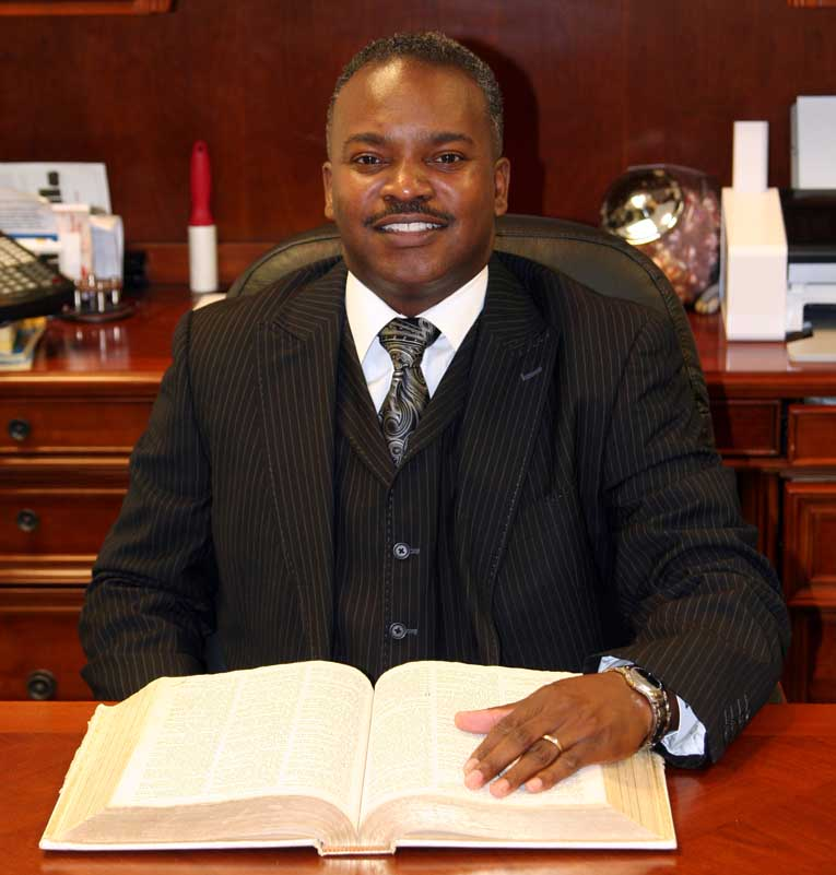 <strong><u>Bible Study</u></strong><br>Pastor Michael Bridges, Teacher
